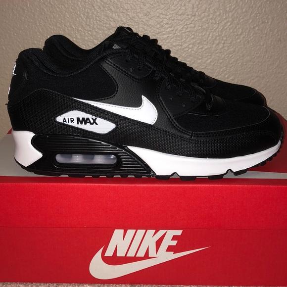 Women's Nike Air Max 90 Black NWT